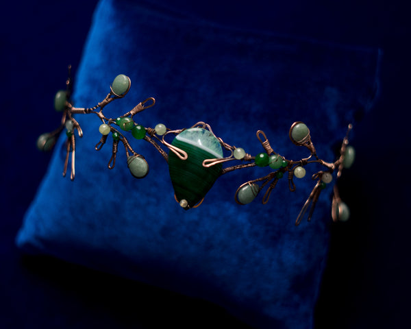 Woodland tale Green agate crystal copper crown