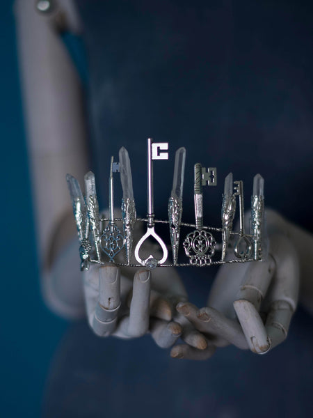 Wonderland silver crystal crown with rough quartz and keys