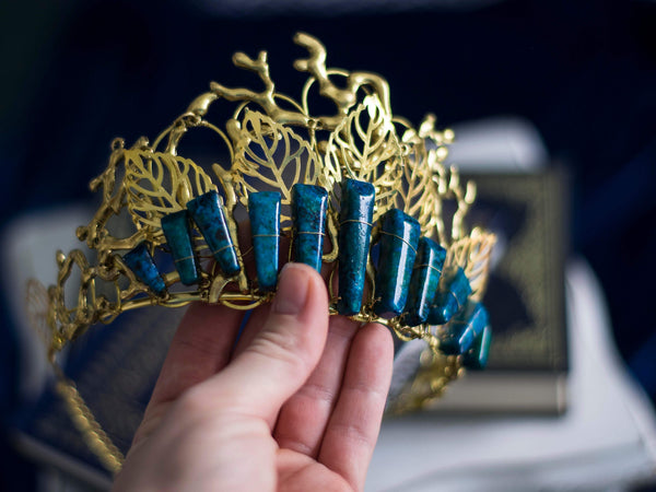 Laurel Golden crown with azurite
