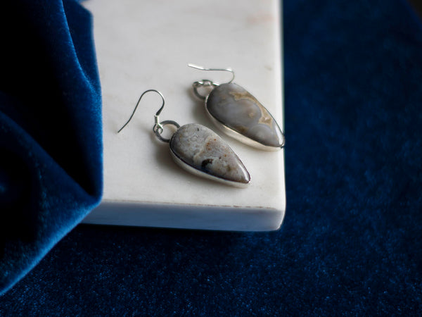 Hoarfrost silver drop earrings with grey  jasper