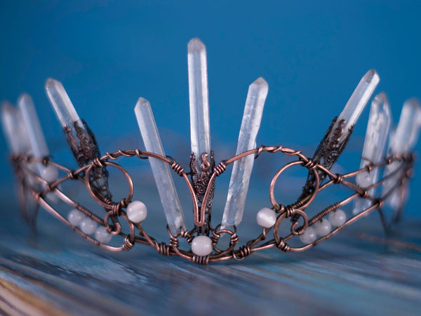 Altena quartz crystals copper crown