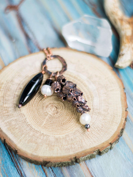Mayflower organic copper hoop pendant with freshwater pearls and black agate - MoonDome - 3