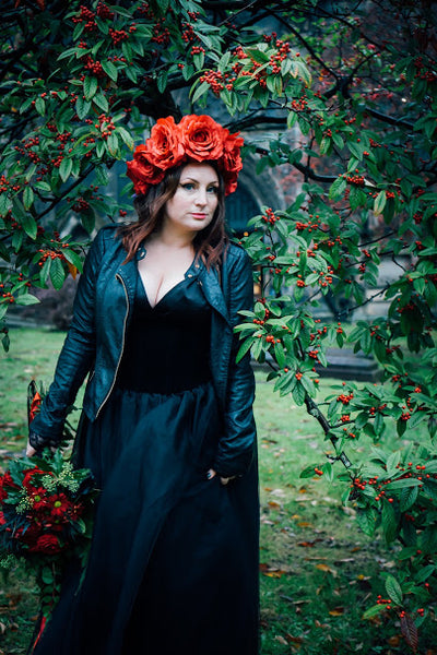 Victoria red silk roses crown