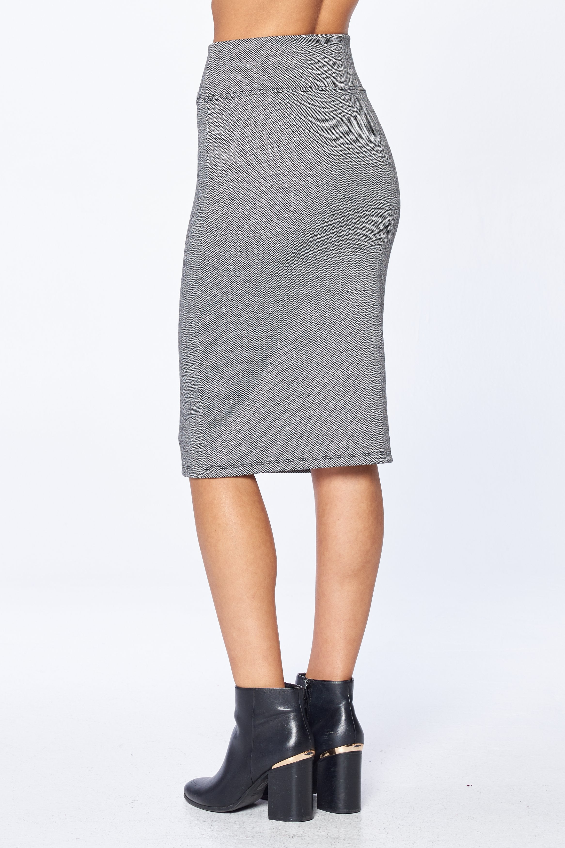 Khanomak Women's Knit Plaid Stretch High Rise Pencil Midi Skirt
