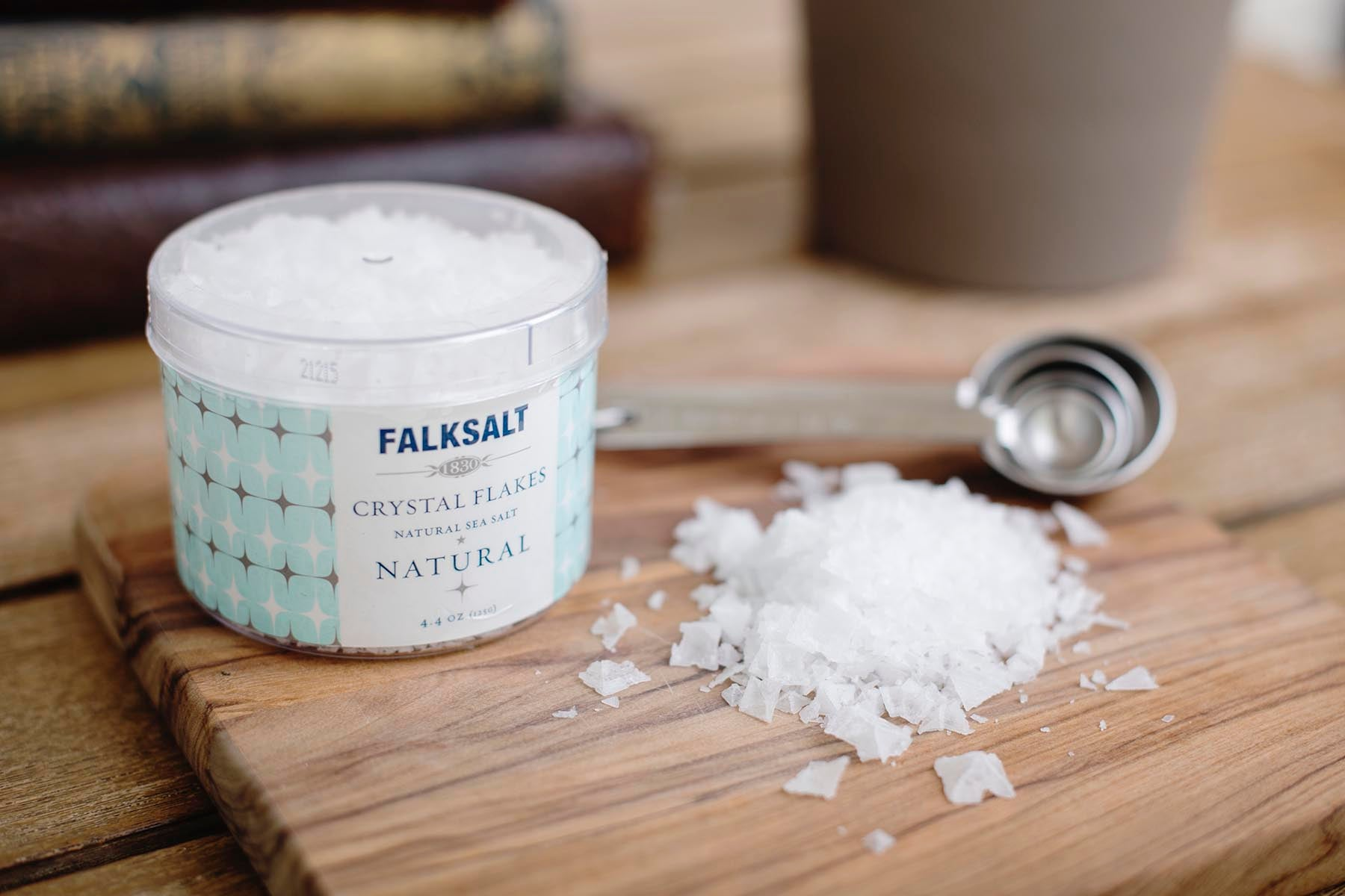 <a href='http://www.falksalt.com/us/' target='_blank'><b>Falk Salt Natural Sea Salt Crystal Flakes</b></a><br>Made from evaporated pure sea water until there's very little left but salt. These are carefully raked out by hand and then sealed in this beautiful packaging. Considered by many professionals to be the finest salt money can buy. Use it as a finishing salt and experience the crispy sensation next time you cook.