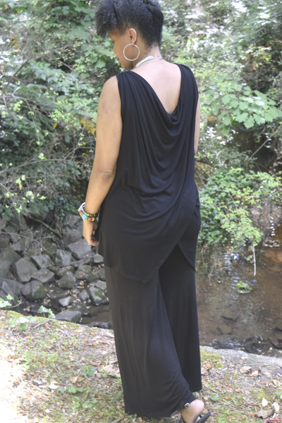 "The Closet Refresh: ""Here She Comes"" Plunging Scoop Sleeveless Tunic"