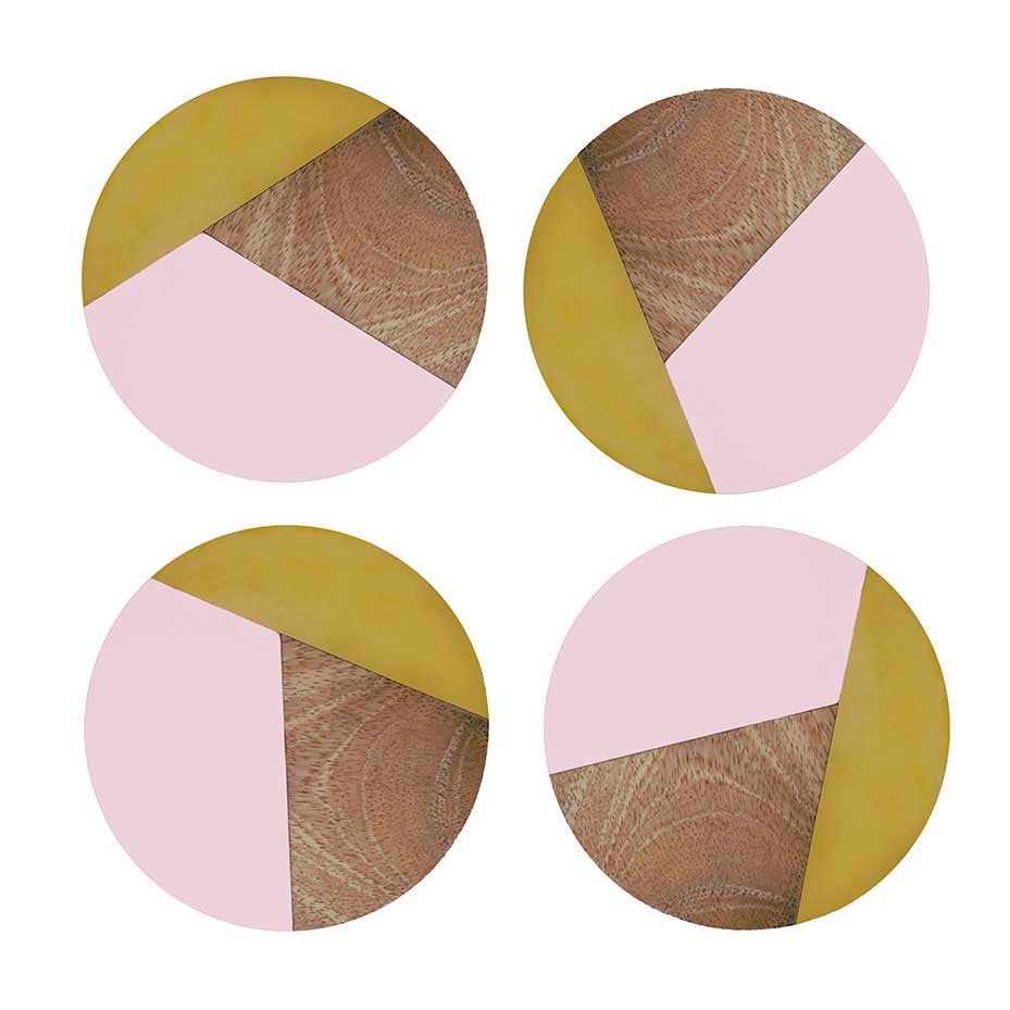 Set of 4 round coasters in pink/wood/brass