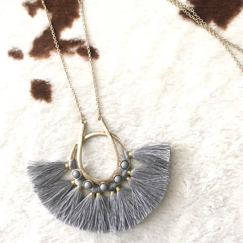 Fanned Out Necklace