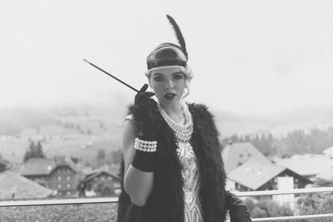 1920s woman on the balcony
