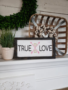 FREE U.S. SHIPPING!!!   True love wood sign  I  Valentine sign