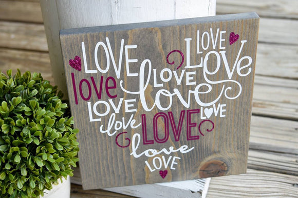 FREE U.S. SHIPPING!!!   Love heart wood sign  I  Valentine decor  I  Valentine sign