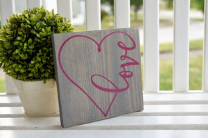 FREE SHIPPING!!!  Love heart wood sign  I  Valentine decor  Valentine sign I  wedding decor