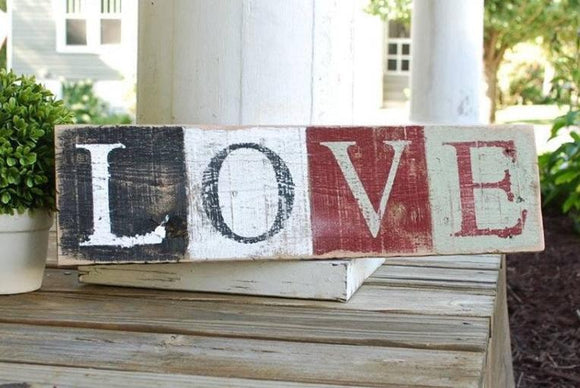 FREE SHIPPING!!!  Love pallet sign  I   Love decor  I   weddings  I  wedding sign  I  Valentine sign
