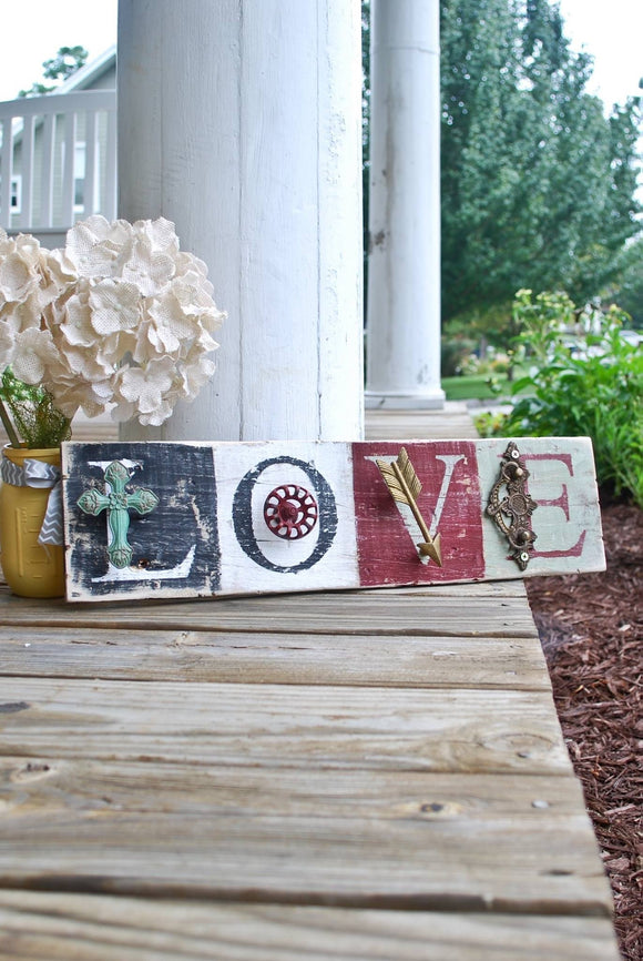 FREE SHIPPING!  I   Love wood sign  I  Rustic home decor  I  Wedding sign  I  Wedding decor