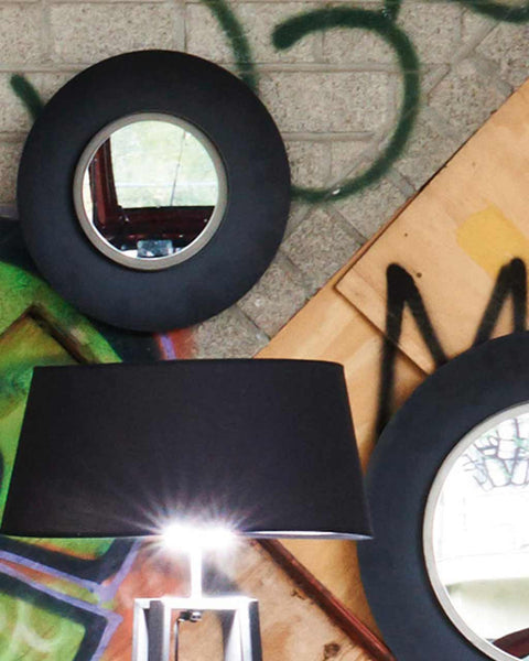 black-metal-frame-dia-40cm-lifestyle-close-up