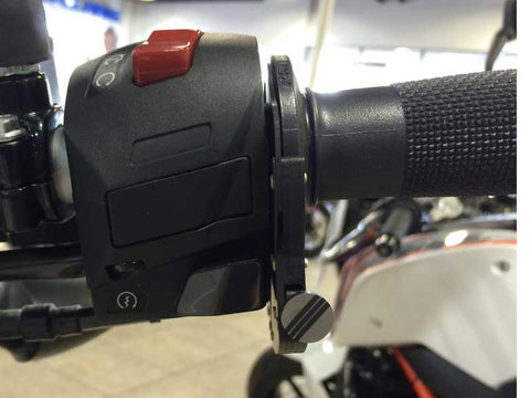 KTM 390 Duke with the ATLAS Throttle Lock