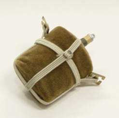 Dragon Models Loose 1/6th Scale WWII British Water Bottle (Brown) w/(OD) webbing  #DRL2-A101