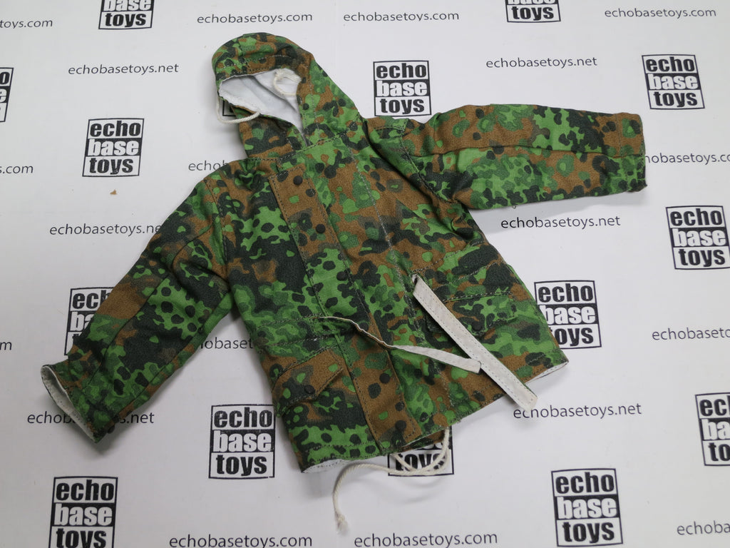 ALERT LINE 1/6 Loose WWII German Winter Parka - Reversible (Spring Oakleaf/White) WWII Era #ALL1-C100