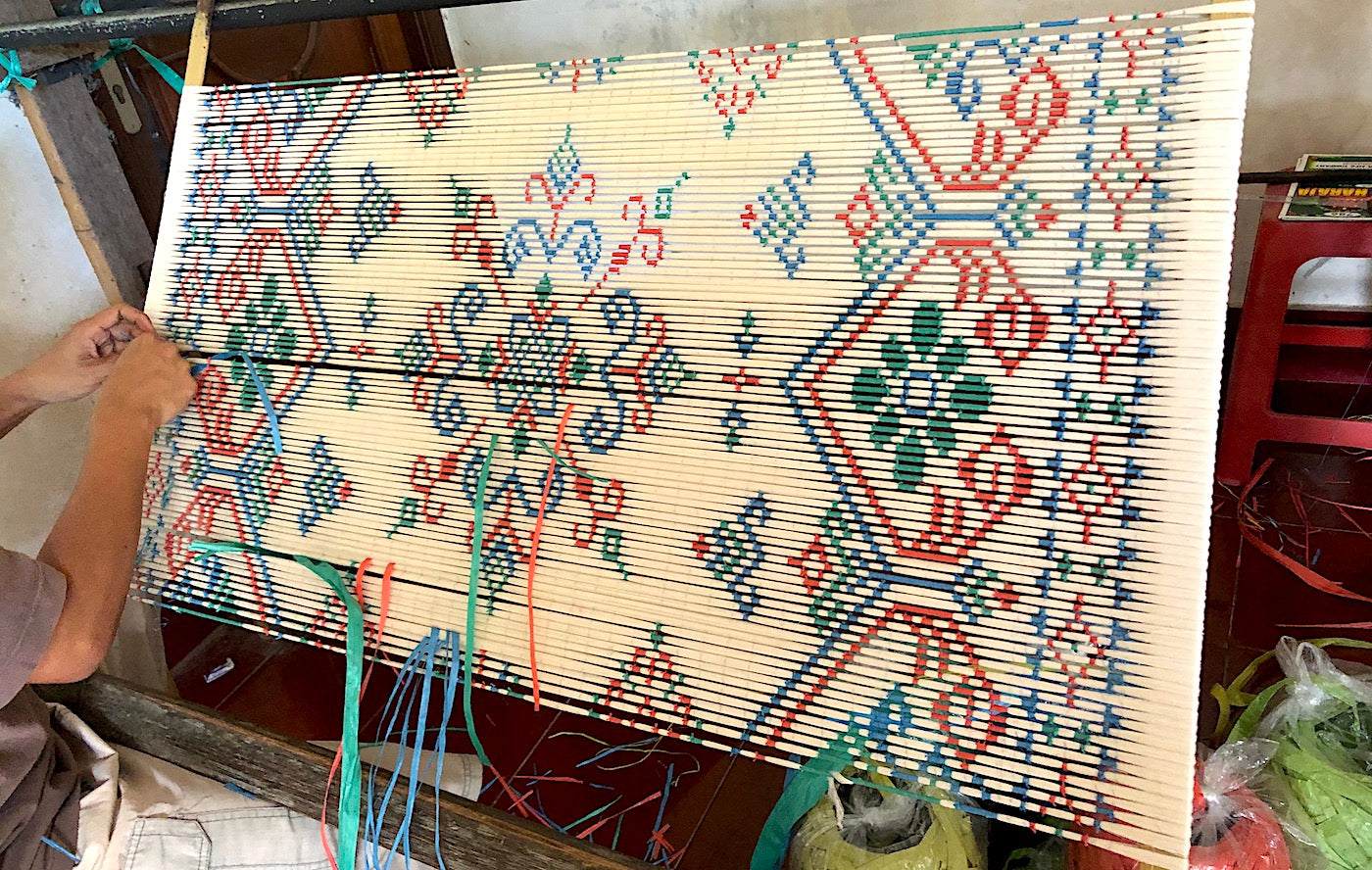 Ikat-binding-process-Pallu-Design