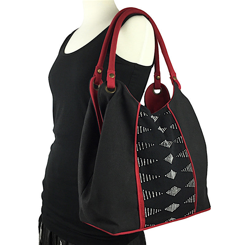 Hand Woven Beaded Bag - Black and Red - Pallu Design