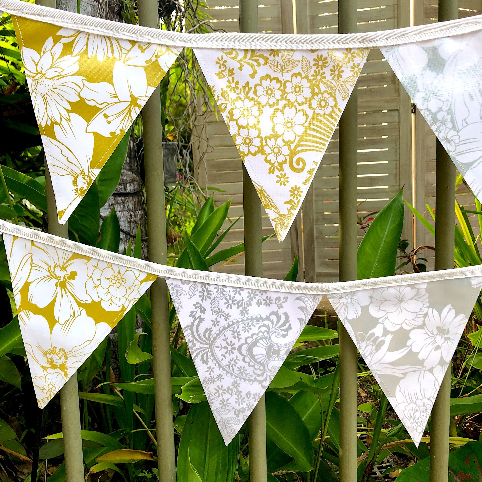 5 Mt. Gold and Silver Outdoor Wedding Bunting - Pallu Design