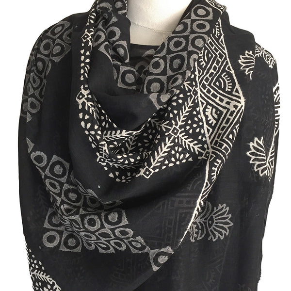 Black and White Cotton Voile Scarf - block printed in Bagru - Pallu Design