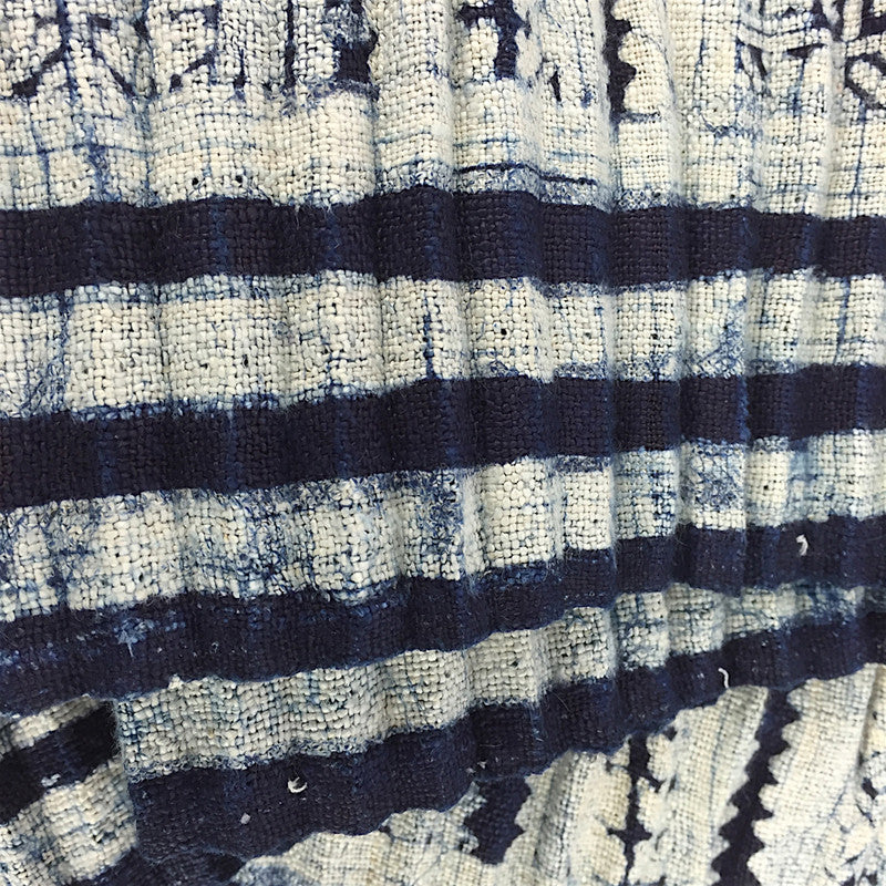 Hmong Indigo & White Batik Hemp Fabric - Pallu Design