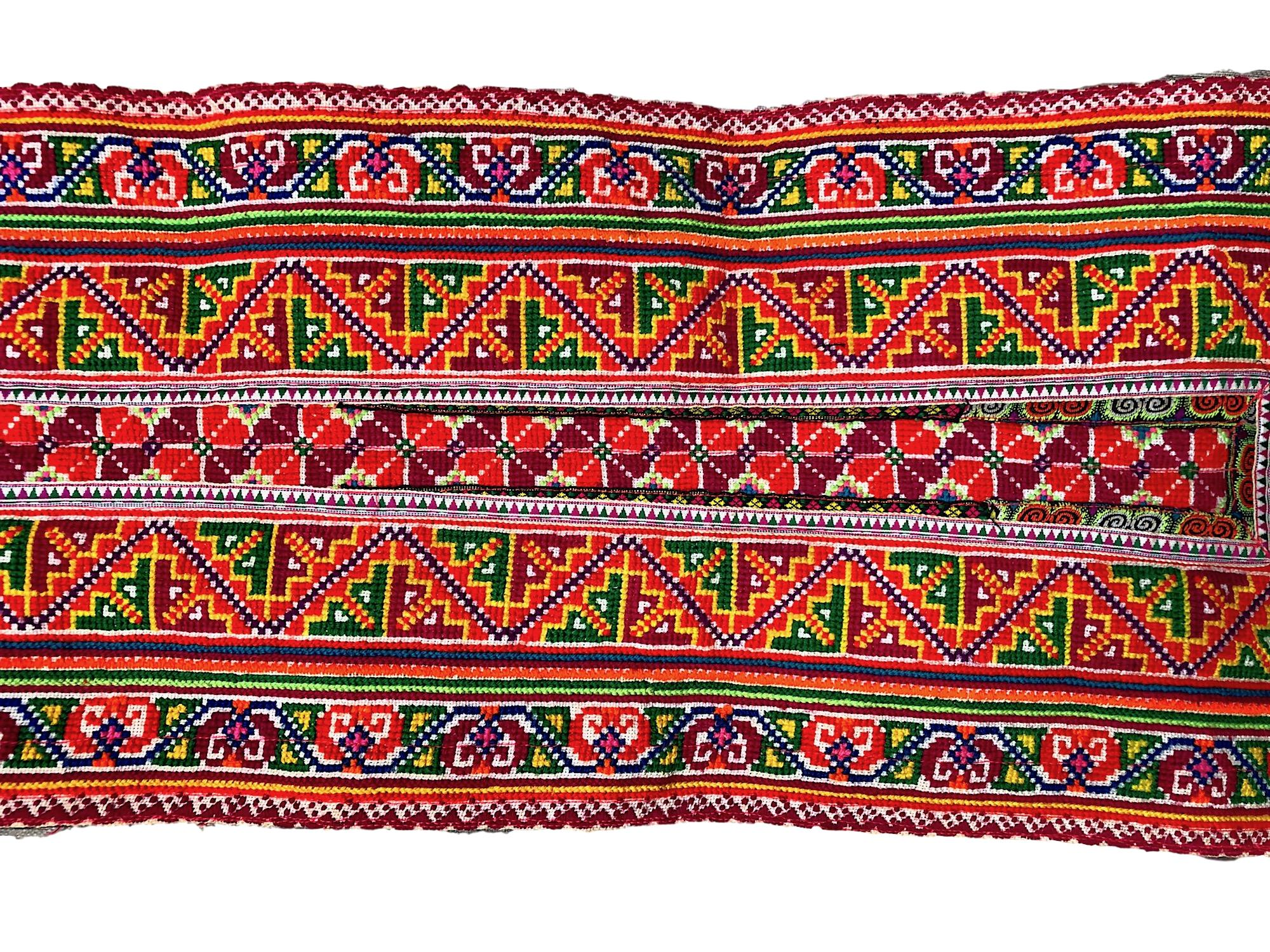 Flower Hmong Decor fabric - Artistic Cross Stitch Panel - Pallu Design