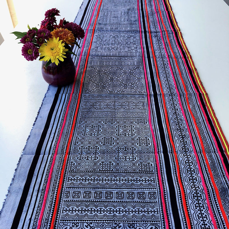 Hmong Decor Print in Vintage Style - 2.8mt Table Runner - Pallu Design