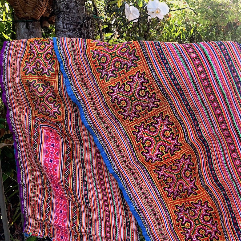 Hmong Fabric for your decor - 2mt - Pallu Design
