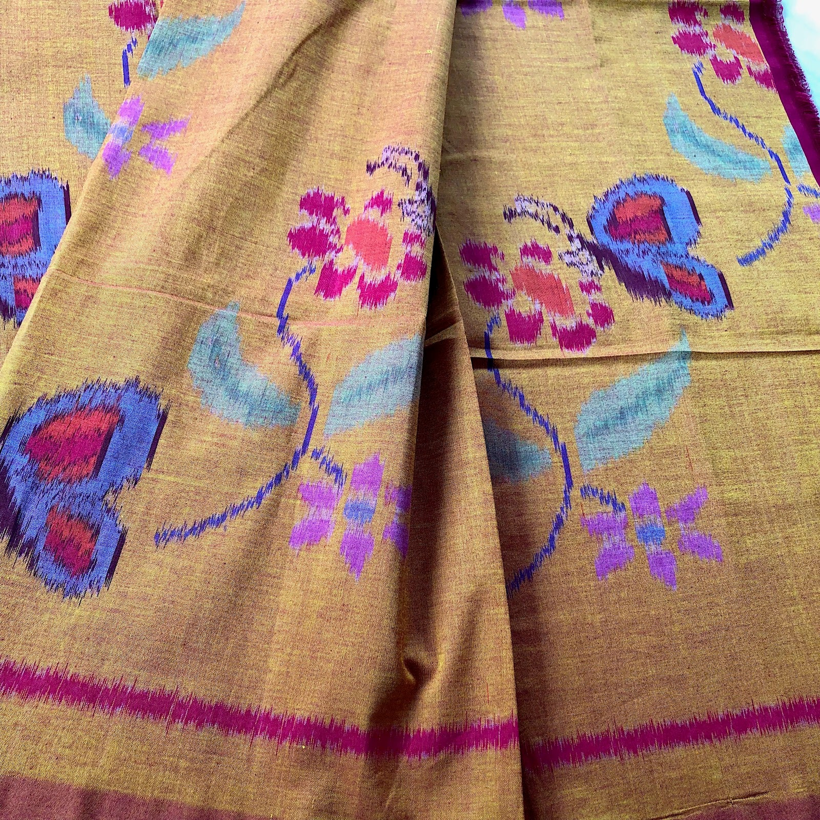 Ikat sarong or decor fabric - Hand woven - Pallu Design