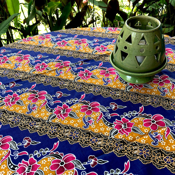 Tropical print Indonesian tablecloth or sarong - Pallu Design