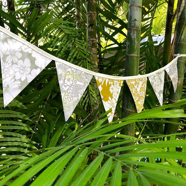 Silver and Gold Wedding Bunting - Outdoor Party Decor - 12 Flags - Pallu Design