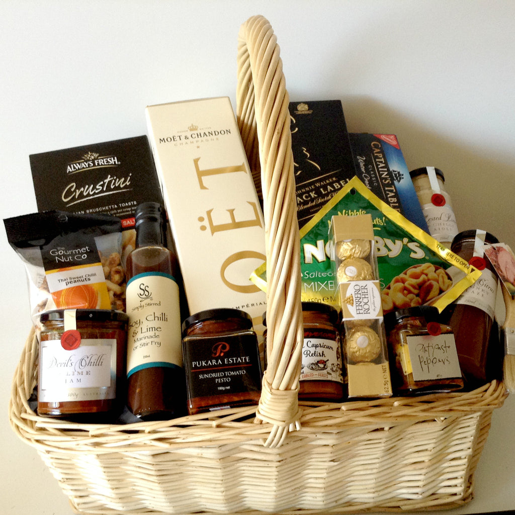 Johnnie Walker Black Label & Moet Gift Basket