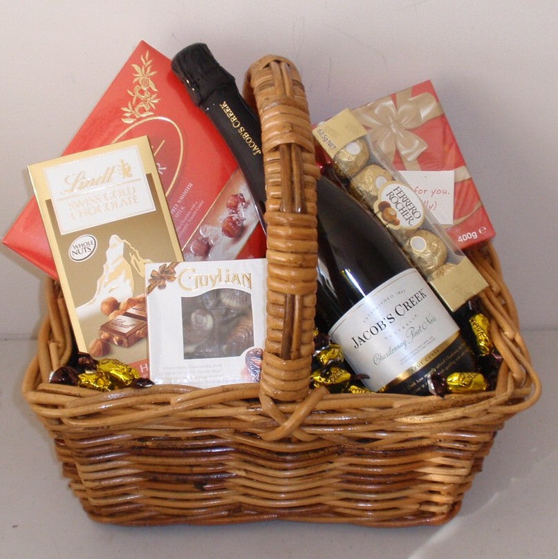Bubbly & Chocolate Picnic Basket
