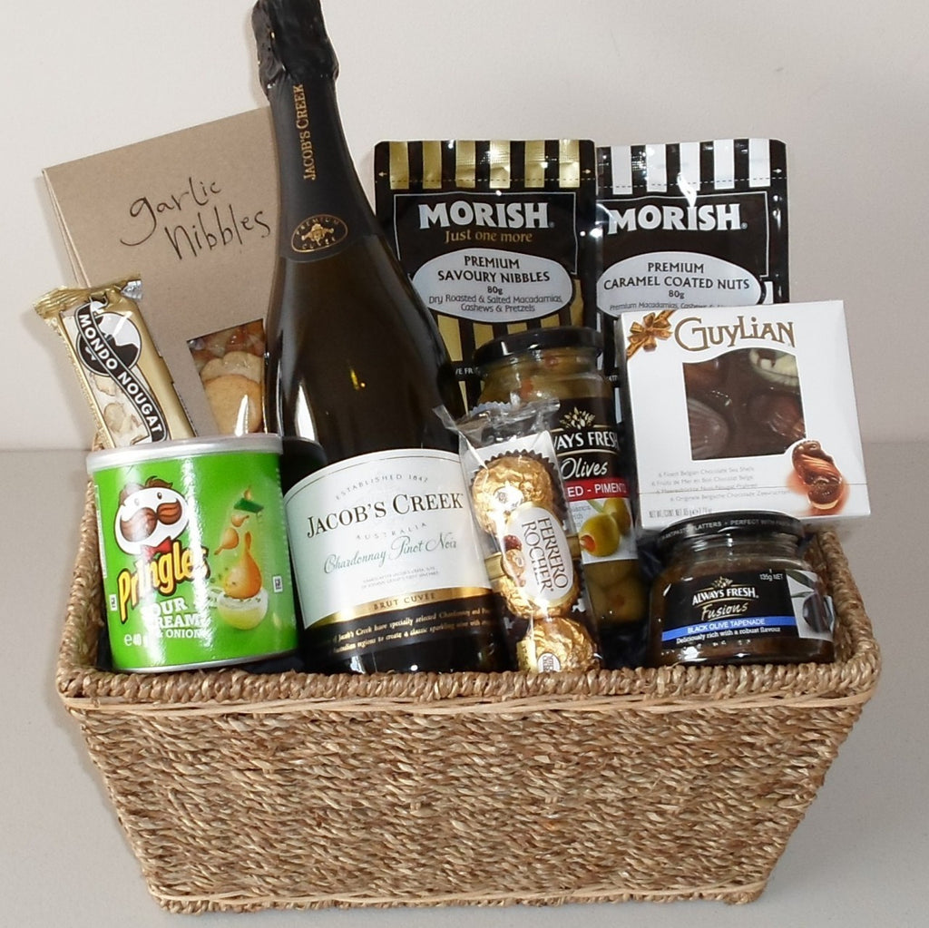 Jacobs Creek Bubbly Picnic Basket