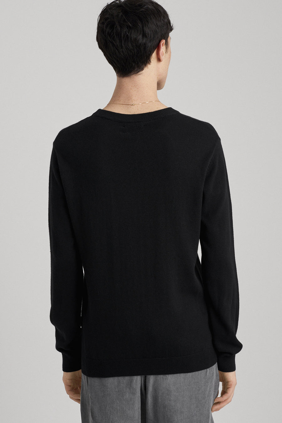 Everyday Classic Sweater - Black - Pavilion