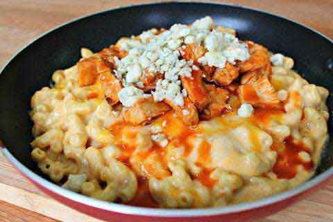 32 oz Buffalo Chicken Mac & Cheese
