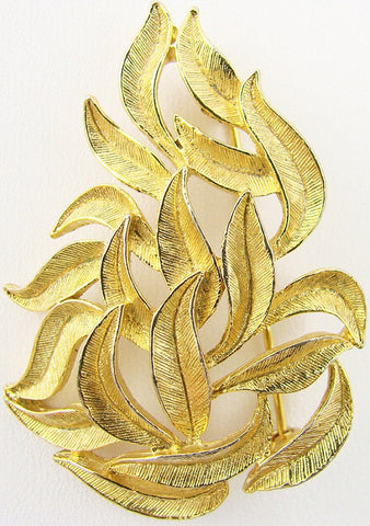 NAPIER Vintage Estate Textured Gold tone Interwoven Leaf Brooch - Signed, Excellent Condition