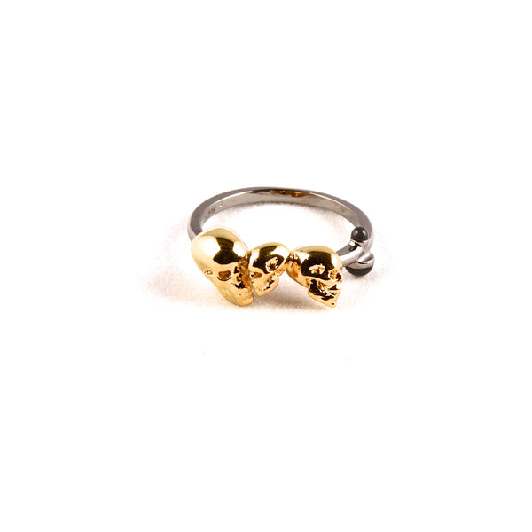 Gold chattering skull ring