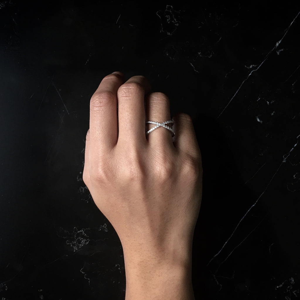 Cross Diamond ring - Squaregal