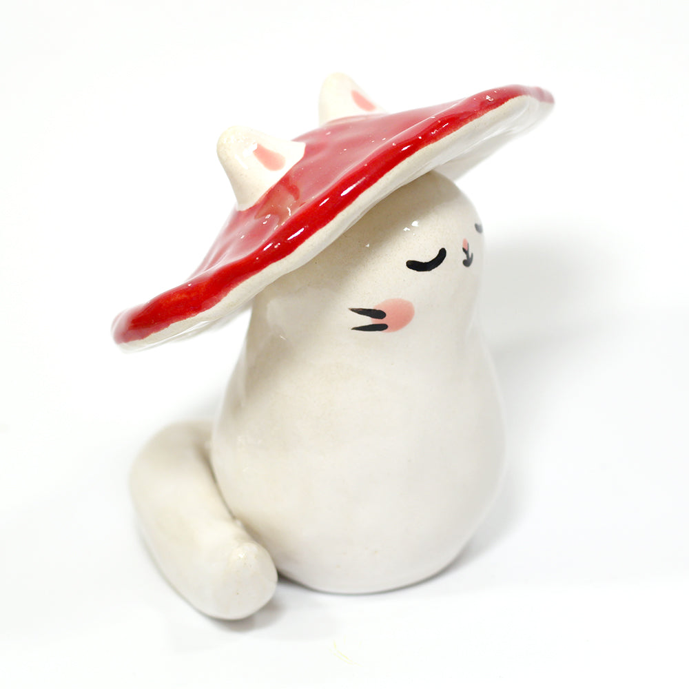 Ceramic Mushroom Kitty Figurine #1101