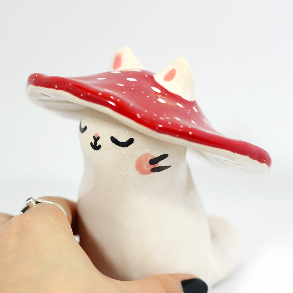 Ceramic Mushroom Kitty Figurine #1217