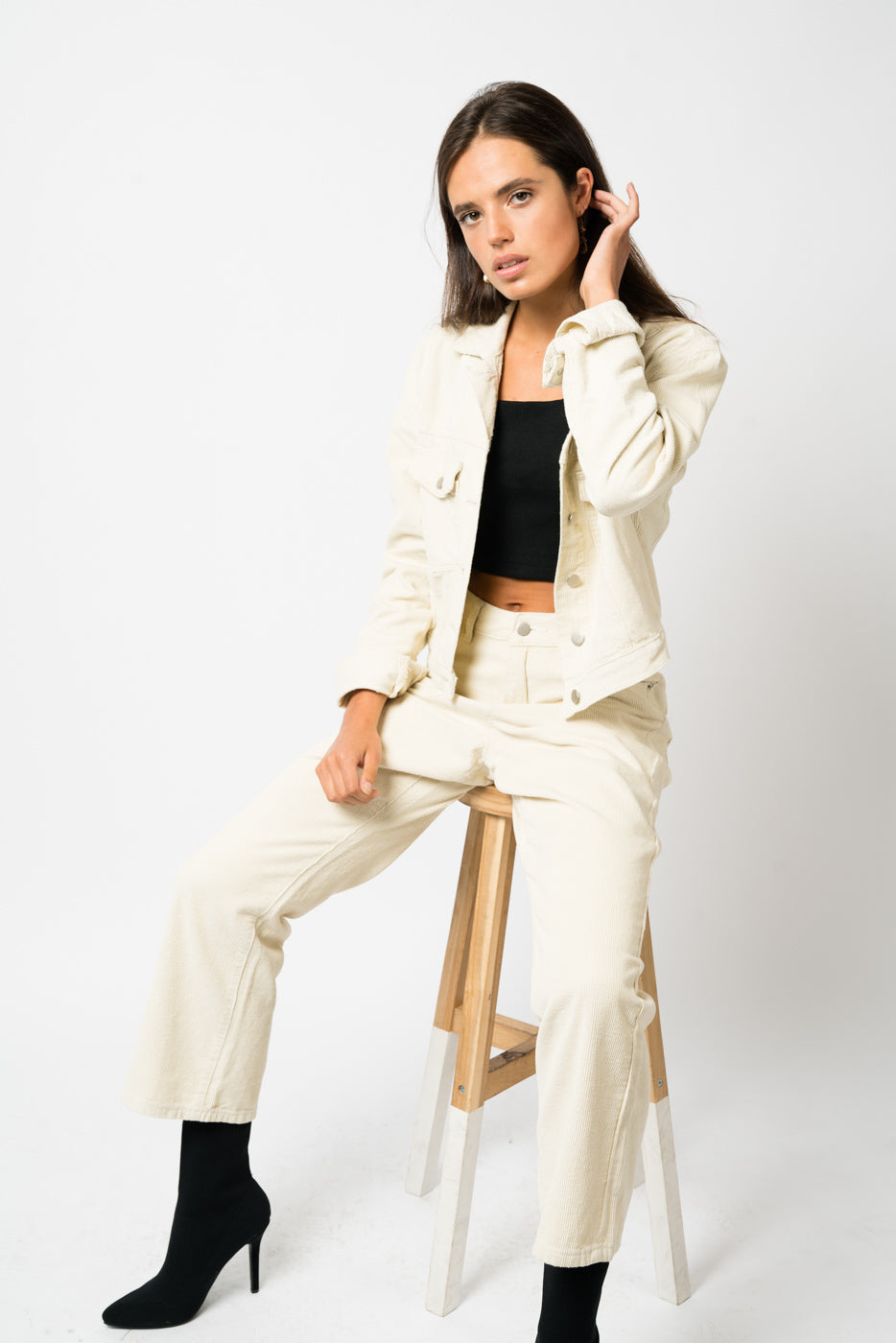 FAE LONDON - CHELSEA CROPPED JACKET IN BEIGE CORDUROY