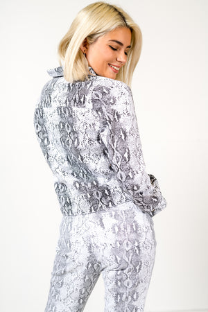 FAE LONDON - JAI CROPPED JACKET IN MONOCHROME LEAOPARD PRINT