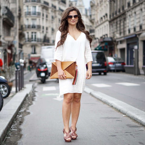 Petite in Paris Blogger - Clutch