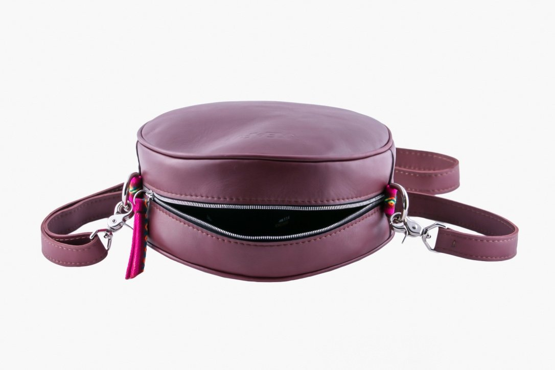 Round Cross Body Interior