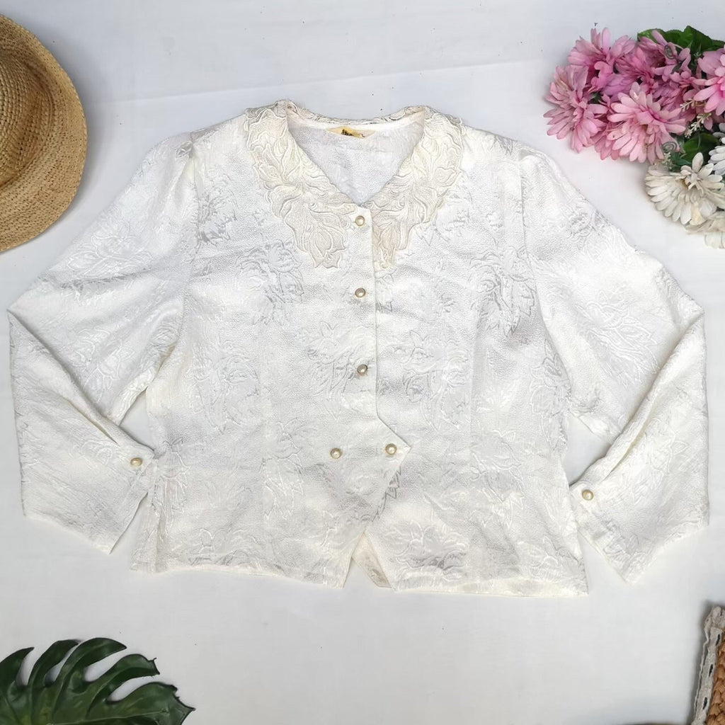 White vintage lace detailed blouse