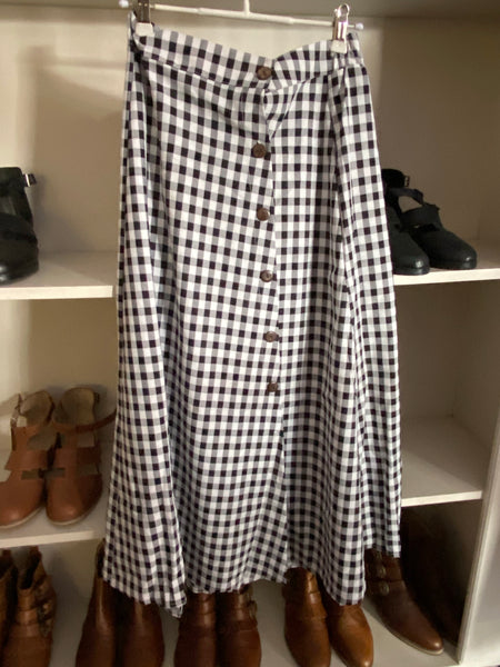 Cute check midi to long skirts with buttons flowing sideways