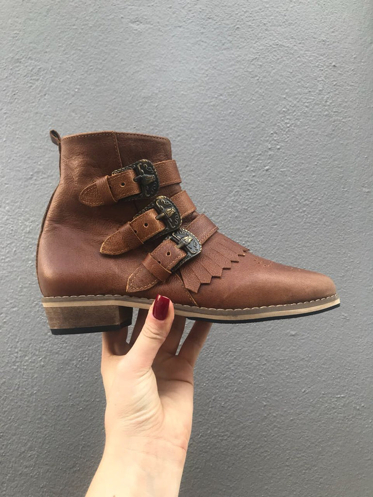Eve 3 buckle boot brown